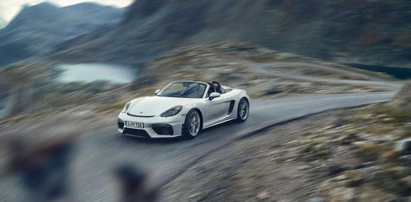 Porsche 718 Spyder и 718 Cayman GT4 разделили мотор