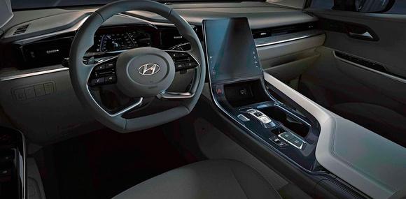 Hyundai раскрыла интерьер минивэна в стиле Tucson