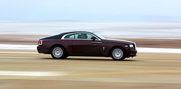 Тест Rolls-Royce Wraith: hands free