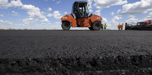 Кабмин: запланированный годовой объем ремонта дорог выполнен на 50%