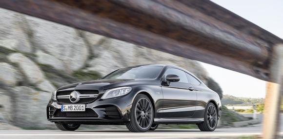 Mercedes-Benz обновил купе и кабриолет C-Class