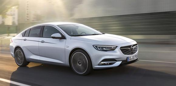 Opel представил новый Insignia Grand Sport 2017 с полным приводом