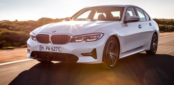 BMW раскрыла информацию о новом гибридном седане 3 Series