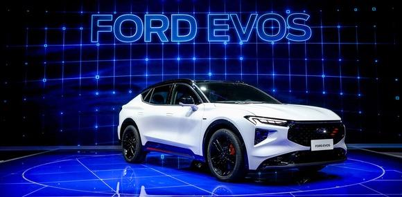 Кросс-лифтбэк или купеобразный кроссовер — Ford Evos представлен официально