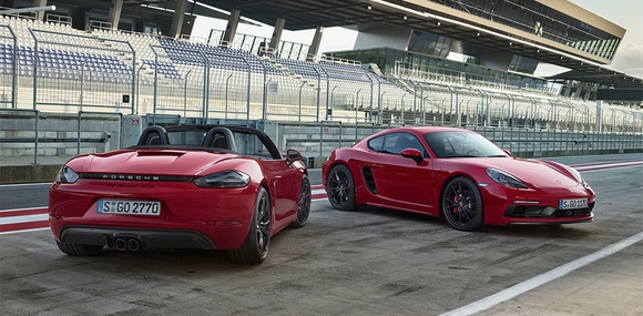 Компания Porsche представила «заряженные» версии Porsche 718 Boxster и Cayman