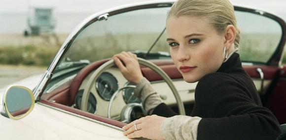 Женщины считают своих мужчин лучшими водителями!