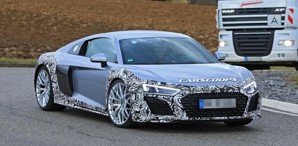 Обновленное купе Audi R8 замечено на дорожных тестах