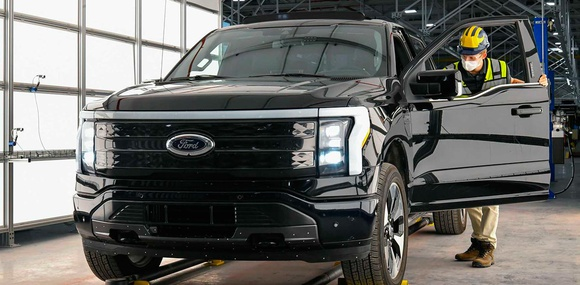 Ford начал производство электрического пикапа F150 Lightning