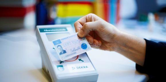 Срок действия водительских удостоверений сократят до 5 – 15 лет