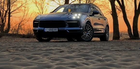 Первый украинский тест Porsche Cayenne S: 10 поводов сменить старый Cay на новый