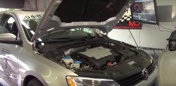 Журналисты показали, как дизельный Volkswagen обманывает экотест (видео)