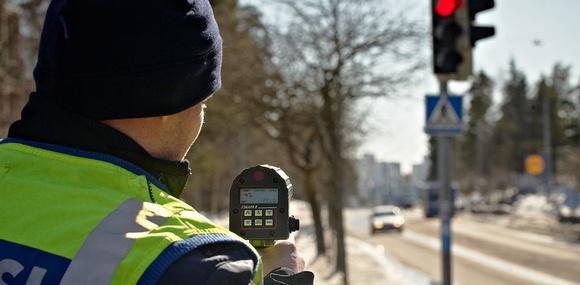 Финна оштрафовали на 35000 евро за превышение скорости