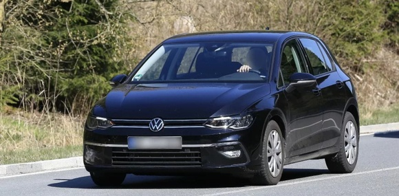 Продажи нового Volkswagen Golf в Европе отложили до февраля 2020 года
