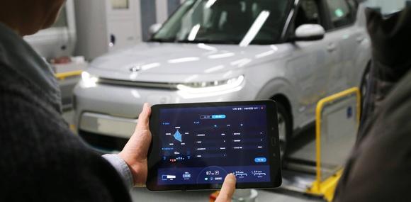 Владельцы будущих электрокаров Hyundai и Kia смогут настраивать их через смартфон