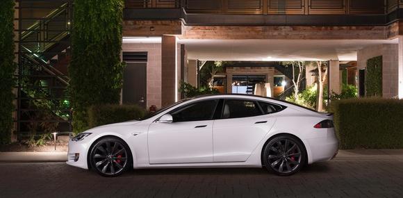 В Европе электрокары Tesla впервые обошли по продажам немецких конкурентов с ДВС