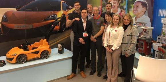 McLaren 570S стал детской коляской