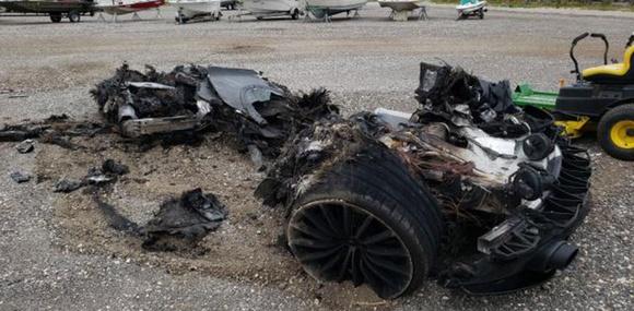 На аукцион Copart выставили остатки сгоревшего McLaren GT