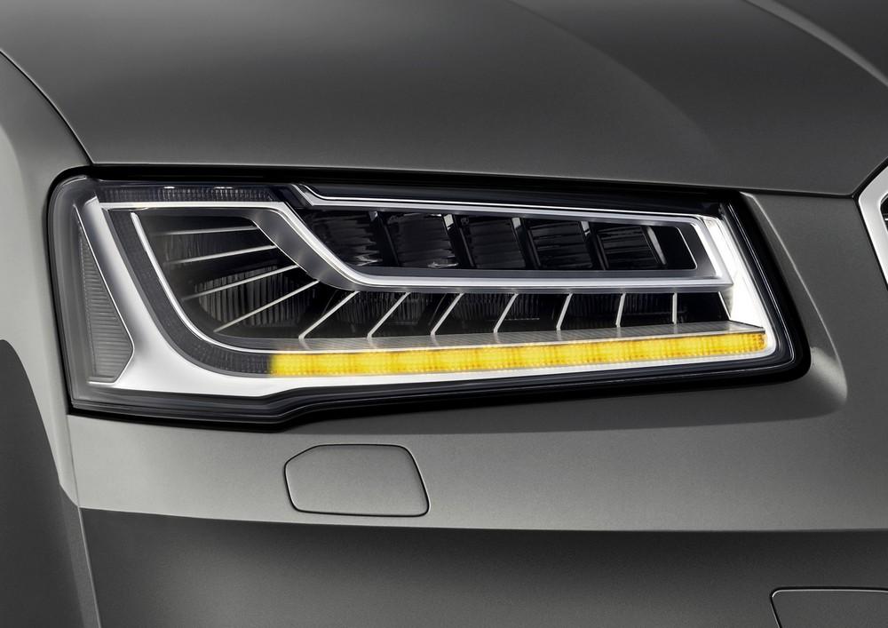 Audi A8 2014 — фары Matrix LED