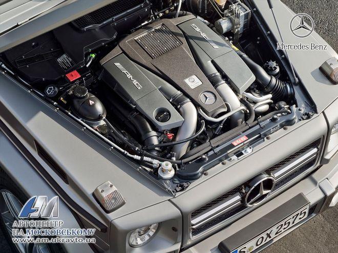 Mercedes G-класс — моторный отсек
