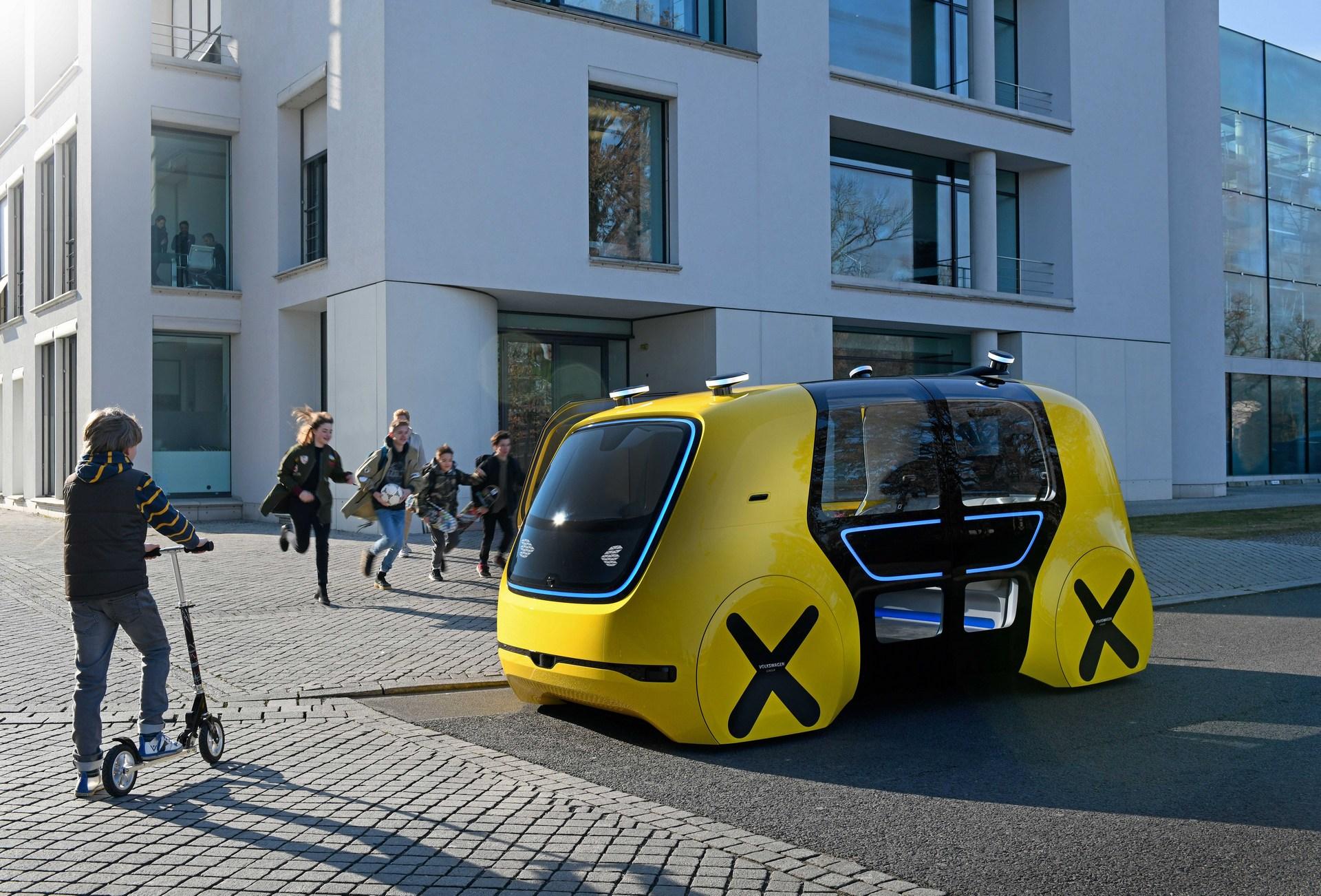 Картинки по запросу Женева 2018: Volkswagen представил автономный «школьный автобус»